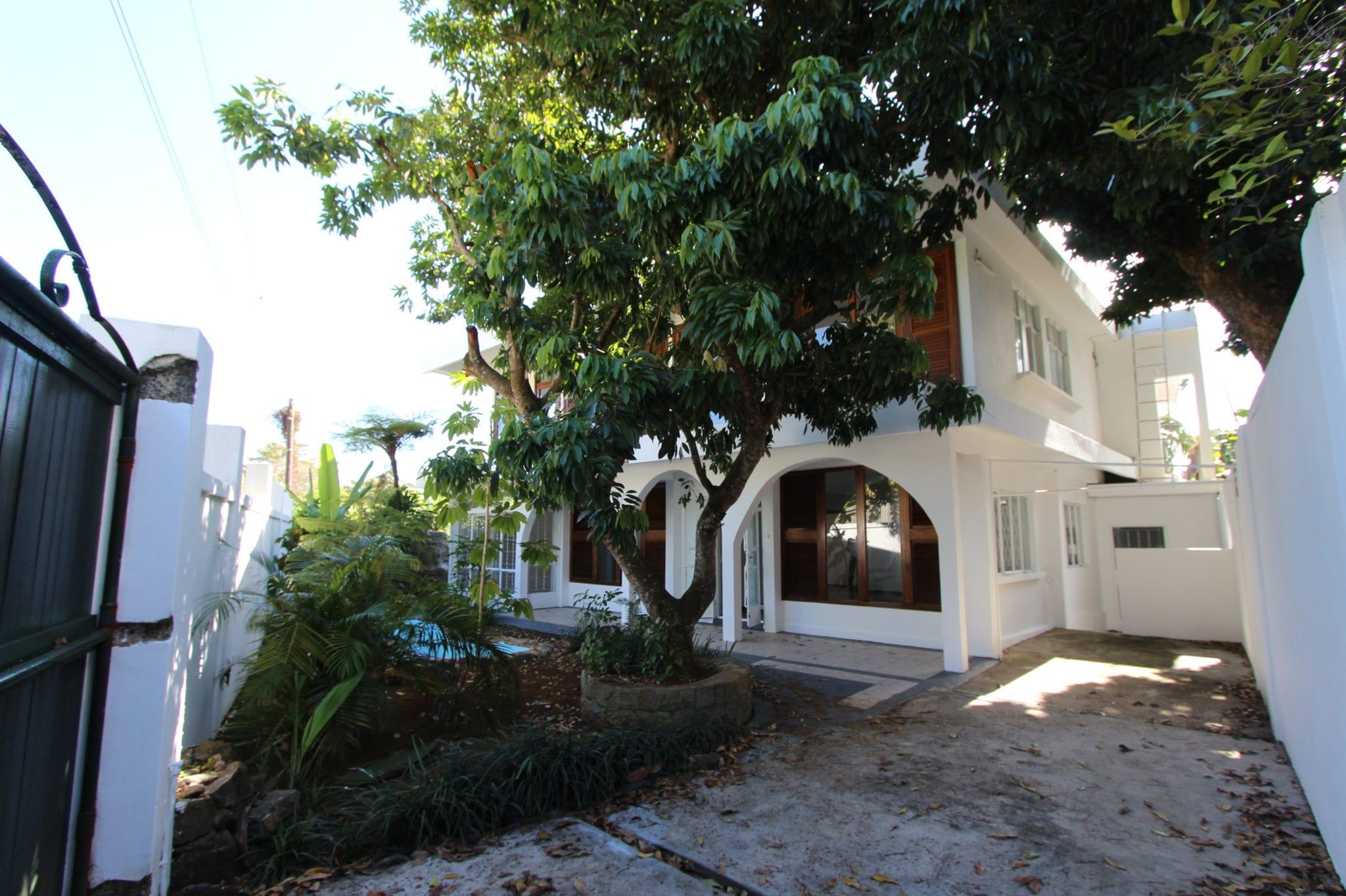 House  For Sale In Quatre-Bornes